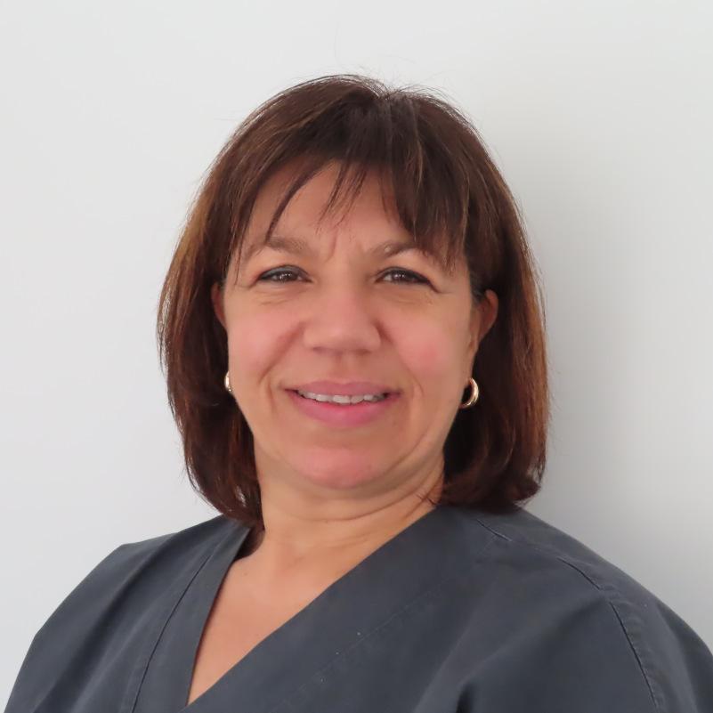 Letizia Guarino, infermiera professionale in centro privato specializzato in operazione per la cataratta